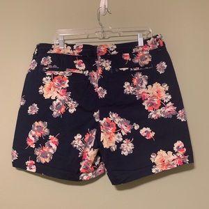 Lee Shorts - Navy floral print shorts